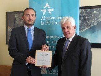 Firma de la adhesión de Aiqbe a la Alianza para la FP Dual