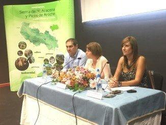 La delegada de Medio Ambiente participa por primera vez de la sesión, celebrada en Jabugo