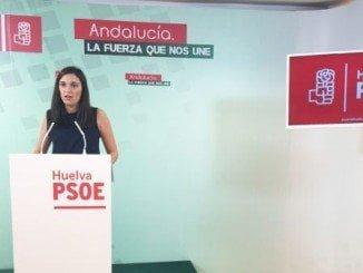 Márquez ha señalado que son 11.077 los onubenses que acceden al servicio de teleasistencia