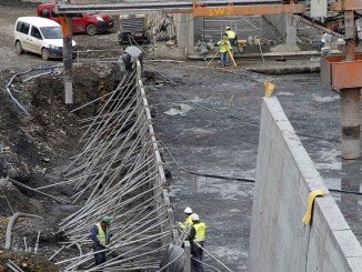 Obras en la presa de Alcolea