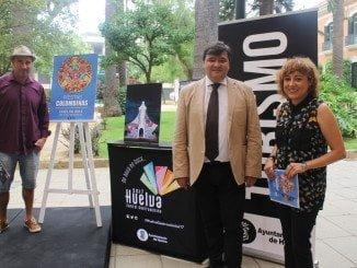 El alcalde junto a la concejala de Cultura y Víctor Pulido, autor del cartel de las fiestas