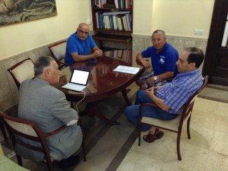El subdelegado ha mantenido una reunión con los pescadores deportivos sobre el tema del Espigón
