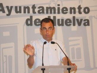 Rueda de prensa en la que Ángel Sánchez expone las propuestas de su grupo municipal para el debate estado ciudad