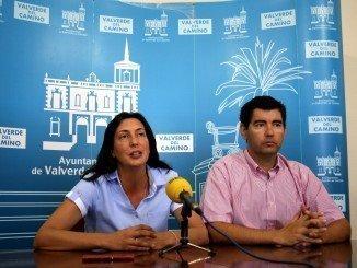 Rueda  de prensa en el Ayuntamiento de Valverde del Camino para anunciar la medida