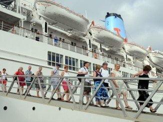 Llegada del Thomson Spirit a Huelva