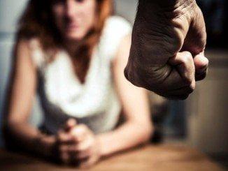 Se insiste en denunciar con firmeza cuando se observe cualquier signo de maltrato