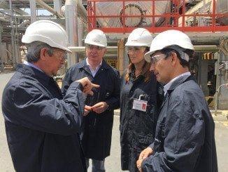 El delegado del Gobierno ha visitado la refinería para conocer sus avances