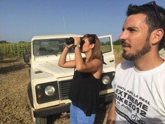 Rocío Jiménez ha participado de la instalación de un vallado en Beas