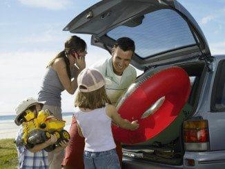 Los españoles siguen prefiriendo el coche para viajar