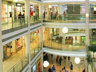 El comercio, uno de los sectores de servicios en los que menos se ha incrementado la cifra de negocios