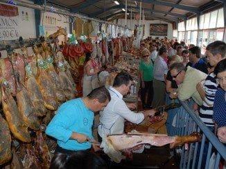 Feria del jamón en Aracena, donde la calidad del jamón ibérico es incuestionable