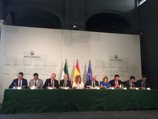 todas las instituciones implicadas en los PFEA firmaron el convenio de colaboración esta mañana en el Palacio de San Telmo