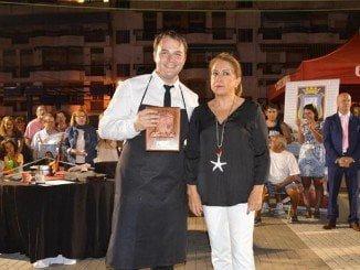 Alexandru Irimea, de Madrid, se alza con el primer premio de cortadores de jamón de Punta Umbría