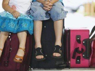 Los menores necesitan autorización de sus padres para viajar sin ellos