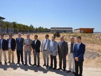 Javier Barrero junto al resto de autoridades que han asistido al inicio de las obras