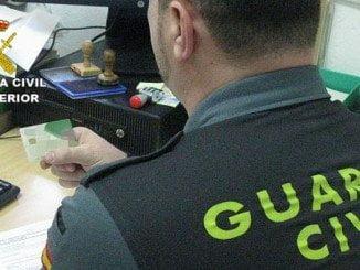 La Guardia Civil comprobó que robaba la tarjeta y volvía a ponerla en su sitio