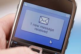 Las empresas prefieren los sms al faceboock o twitter