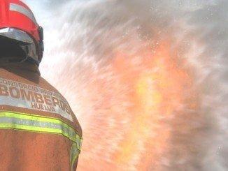 En la extinción del fuego han participado bomberos del Consorcio de San Juan y Punta Umbría