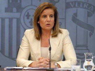 La onubense Fátima Báñez asume también la cartera de Sanidad
