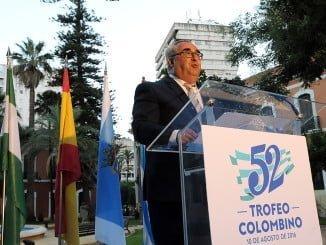 La Casa Colón es esta noche el escenario del Pregón del Trofeo Colombino que ha pronunciado el periodista Nacho Ruiz