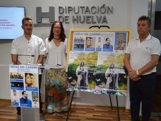 La alcaldesa junto al concejal de Festejos y el presidente de la Hermandad de Nuestra Señora del Carmen