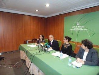 Presentación de la Guía 2016, puesta en marcha por la Diputación y coordinada por la Junta