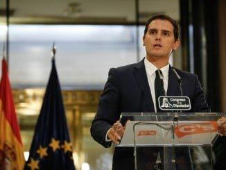 Rueda de prensa de Albert Rivera tras la firma del acuerdo.