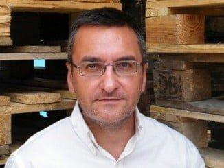 El escritor cordobés Salvador Gutiérrez Solís fue Premio Andalucía de la Crítica de 2013