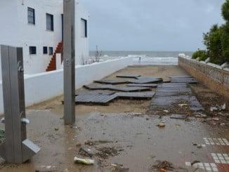 Administración andaluza y central han contribuido a paliar los efectos del temporal sufrido en la costa de Huelva en marzo