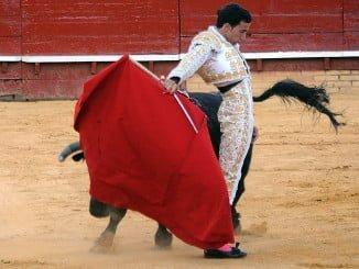 Imagen retrospectiva de una corrida de toros en La Merced, durante las Colombinas 2016