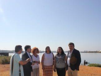 Miembros del Consistorio aljaraqueño, junto a Javier Barrero, han visitado este espacio