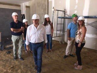 El alcalde de La Palma supervisa las obras del nuevo tanatorio