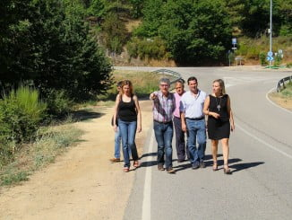La diputada del área de Infraestructura, Laura Martín, visita Fuenteheridos para ver el estado de las vías