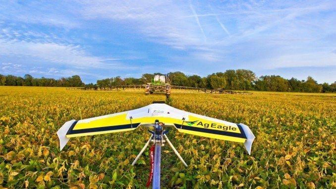 Los drones se han convertido en los grandes aliados en el campo y generan nuevas profesiones como la de piloto de drones