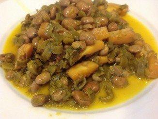 Habas con choco, uno de los platos típicos de la gastronomía onubense