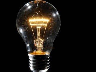 La electricidad experimenta una ligera subida en febrero (0,6%)