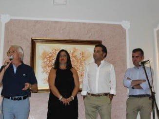 Las autoridades de Moguer, presentes en la cena de la asociación de mayores
