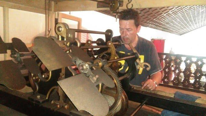La maquinaria del reloj puede verse en la exposición de Aracena