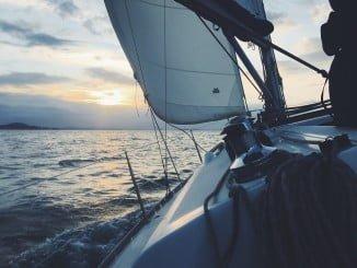 El velero se encontraba cerca del puerto de Mazagón