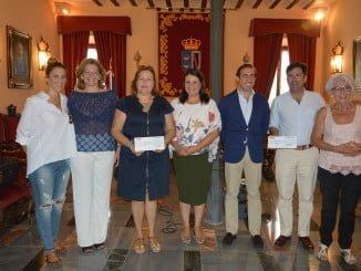 Acto de entrega de los beneficios taurinos del Festival Solidario en Almonte