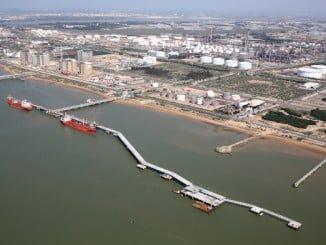 Cepsa opera dos terminales marítimos de carga y descarga en Huelva