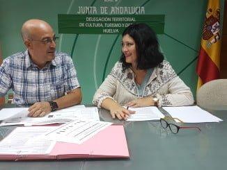 Carmen Solana y Manuel Rofa, jefe de servicio de Deporte