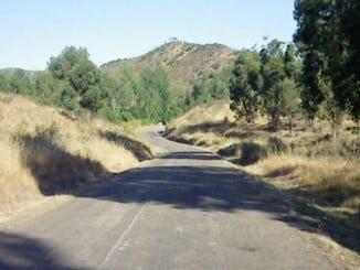 La carretera se encuentra bastante deteriorado en algunos de sus tramos