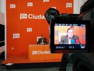 Enrique Figueroa, de Ciudadanos, pide explicaciones por la suspensión de las obras del carril bici.
