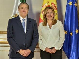 La presidenta de la Junta, Susana Díaz, recibe en San Telmo a los representantes del comité autonómico de Cruz Roja Española en Andalucía, encabezados por su presidente, José Carlos Sánchez Berengue