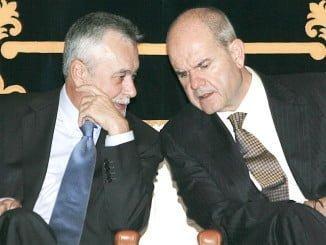 Griñán y Chaves han sido acusados por la Fiscalía de malversación de caudales públicos y prevaricación