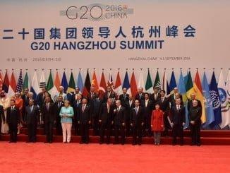 Foto de familia de los asistente a la reunión en China del G20, entre ellos el presidente en funciones Mariano Rajoy.