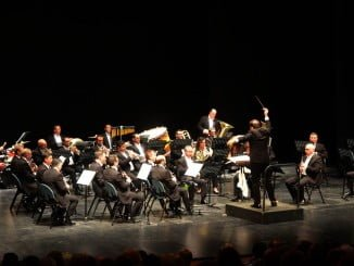 La Orquesta Sinfónica Municipal de Huelva se lució en la gala inaugural del OCIb 16.