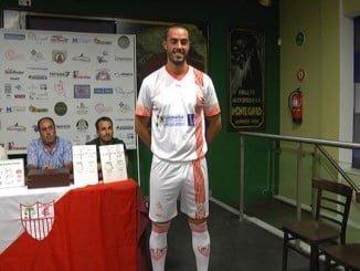 La Pama CF presenta la nueva equipación del primer y segundo equipo.