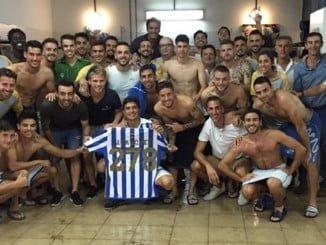 Primera victoria del Recre y el capitán Jesús Vázquez se convierte en el jugador que más veces ha vestido la camiseta albiazul.